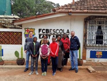 """Hasselaar Nicky Lelièvre in Kenia: """"Talent zat hier, alleen geen voetbalvelden"""""""