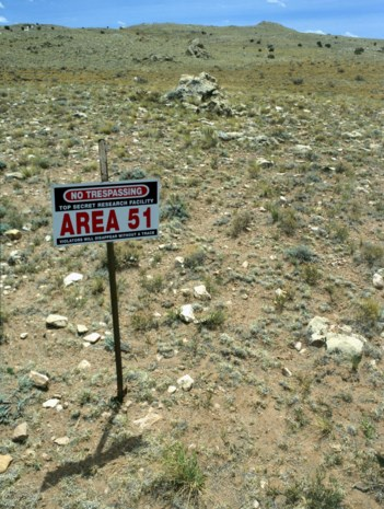 Nederlandse YouTubers Govert en Ties riskeren 6 maanden cel na arrestatie op Area 51