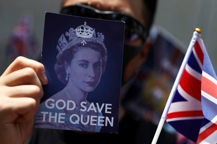"Tienduizenden betogen in Hongkong ondanks politieverbod: ""God Save the Queen!"""