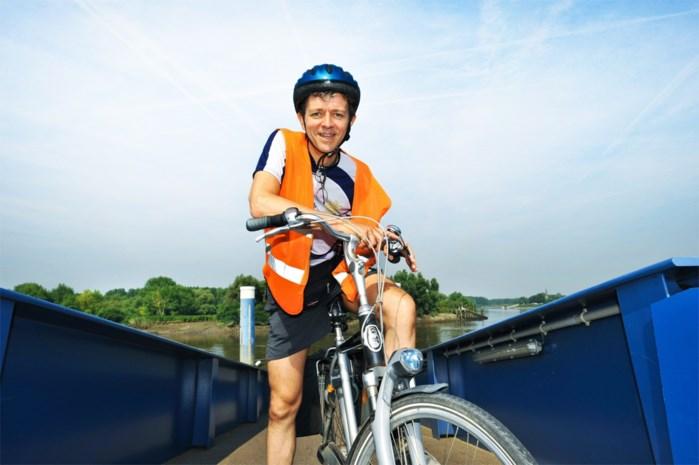 """Frank Deboosere moet fiets noodgedwongen aan de haak hangen: """"Ik zit vol artrose"""""""