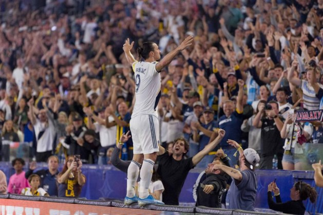Zlatan Ibrahimovic vestigt clubrecord met hattrick