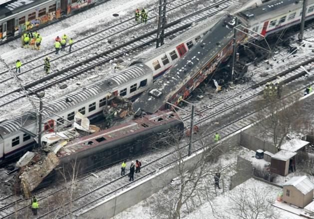 9 jaar na treinramp Buizingen: verdediging treinbestuurder trekt in twijfel of het licht wel op rood stond