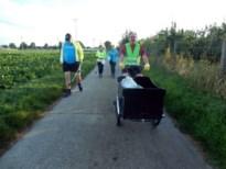 Landense Joggingclub raapt zwerfvuil tijdens de woensdagtraining