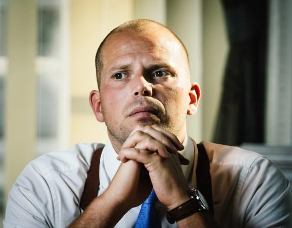 Theo Francken wil Belg worden duurder maken: prijs voor nationaliteitsverklaring maal acht