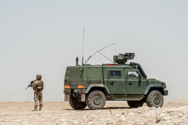 """Defensie haalt 120 pantservoertuigen tijdelijk uit dienst: """"Scheuren op chassis"""""""