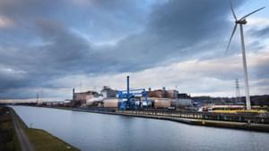 Grootste Limburgse bedrijven maken 18% minder winst, maar werven wel aan