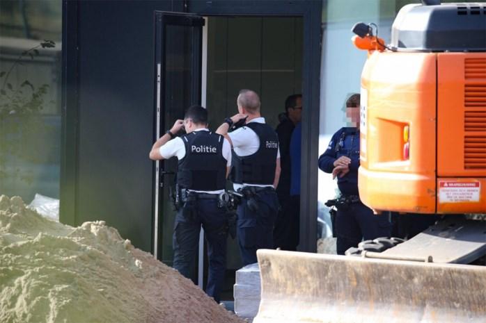 Douanier pleegt wanhoopsdaad met dienstwapen in kantoor Bilzen
