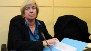 Arco-topvrouw eist nu zelf 2,6 miljoen van Arco-spaarders