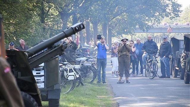Vijf kanonschoten voor 75 jaar bevrijding in Pelt