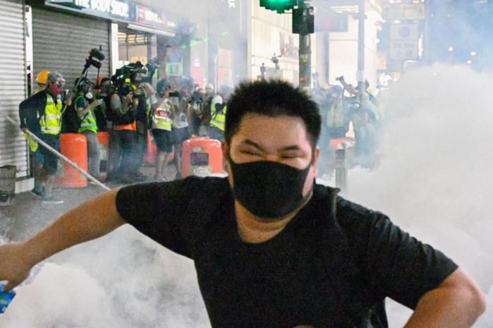 """Politie Hongkong mishandelt en foltert demonstranten"""