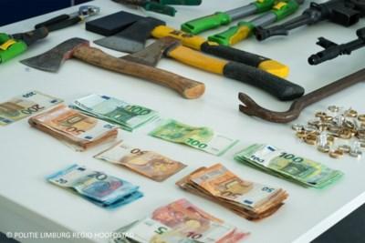 Drugs, dure juwelen én semi-automatische wapens gevonden bij bende overvallers