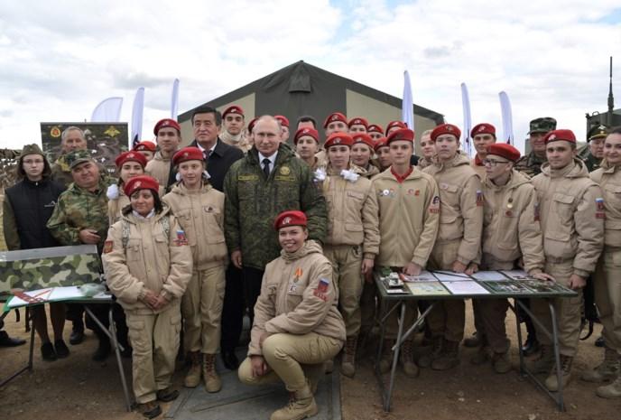 """Rusland en China houden grootse gezamenlijke militaire oefening met 130.000 manschappen: """"Wij staan zij aan zij"""""""