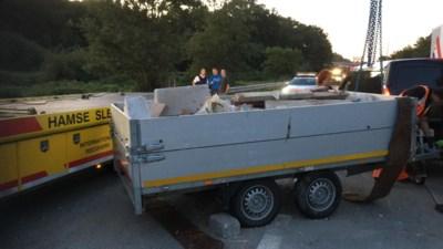 Verkeershinder op E313 richting Hasselt door gekantelde aanhangwagen