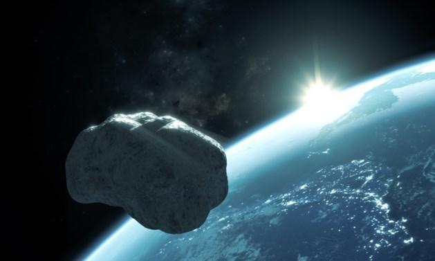"""Interne e-mails van NASA vrijgegeven: """"Grote asteroïde is vlak bij aarde gepasseerd, en wij hadden niks gezien"""""""