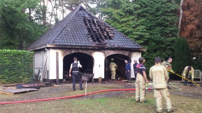 Garage brandt uit in Kolderberg