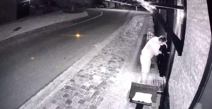 Daders gefilmd terwijl ze hoeve in Hoepertingen in brand steken