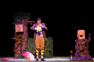 Goocheltheater Jahon speelt première van