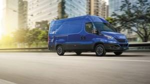 Veiligheid en connectiviteit: de ideale bestelwagen voor jouw missie