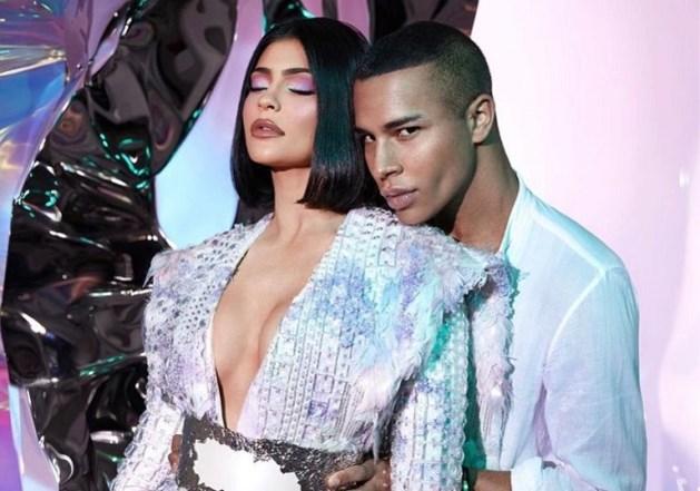 Kylie Jenner verrast met make-uplijn in samenwerking met Balmain