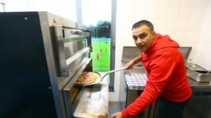 Ondervoorzitter bakt pizza's op de club: