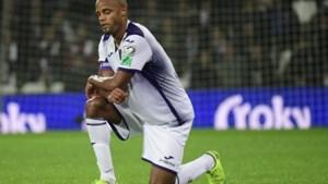 Het houdt niet op: Vincent Kompany valt opnieuw geblesseerd uit bij noodlijdend Anderlecht