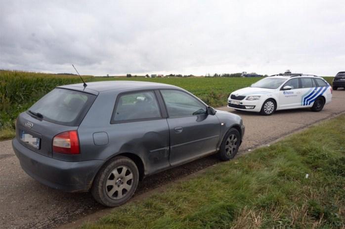 Politie rijdt Franse auto klem: drie verdachten in de boeien geslagen