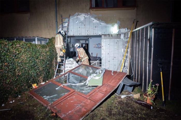 Explosie in Berg: verwarmingstoestel blaast gevel weg, bewoner zwaargewond