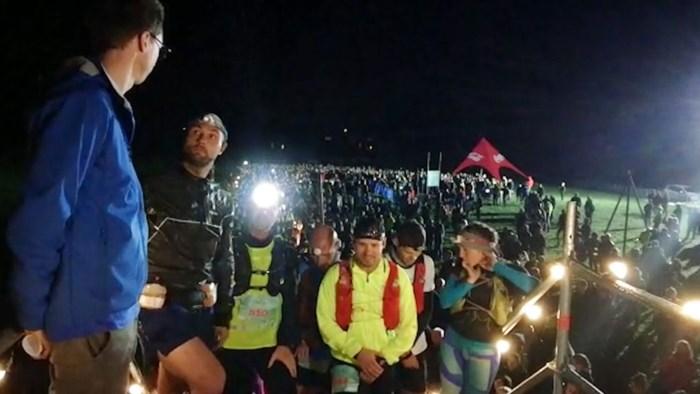 Duizendtal wandelaars beginnen aan tocht van 100 km door Bosland