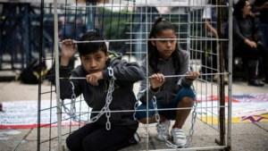 Rechter blokkeert plan van Trump om migrantenkinderen voor onbeperkte tijd op te sluiten