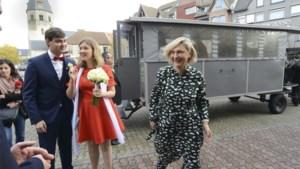 """Zoon van Hilde Crevits stapt in het huwelijksbootje: """"Niets of niemand kon mij dit ontnemen"""""""
