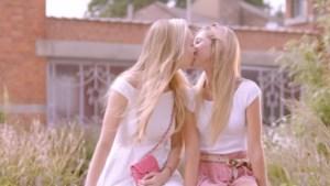 K3 kiest opnieuw voor diversiteit en laat meisjes kussen in nieuwe videoclip