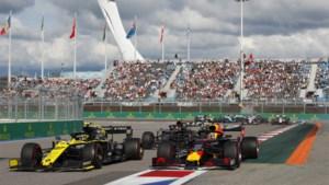 """Max Verstappen rijdt van 9 naar 4: """"Een tamelijk saaie race"""""""