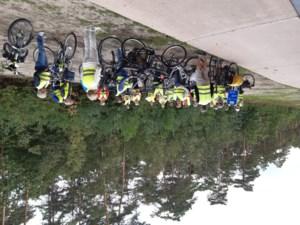 Okra-Beek fietst tussen de bomen in Hechtel-Eksel