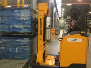 Leerlingen 7 Logistiek behalen diploma heftruck- en reachtruckchauffeur