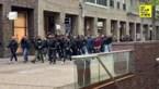 VIDEO. Napoli-fans warmen op in Genk-centrum, politie houdt oogje in het zeil