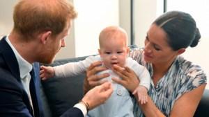 Zo hard lijkt Archie op prins Harry als baby