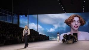 Louis Vuitton sluit de modeweken af in belle-époquestijl