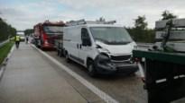 Verkeershinder op Noord-Zuid na kop-staartbotsing