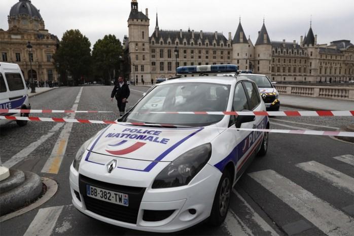 Vier doden bij mesaanval op politiekantoor in Parijs, ook dader overleden