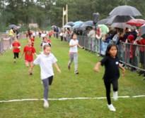 1000 Kampse leerlingen trekken loopschoenen aan
