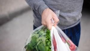 Geen gratis plastic zakjes meer in de winkels