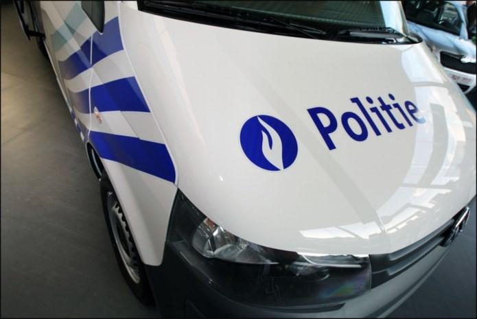 Snelheidsduivel rijdt zonder rijbewijs door Hoeselt