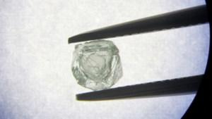 Unieke ontdekking: 800 jaar oude diamant in andere diamant gevonden
