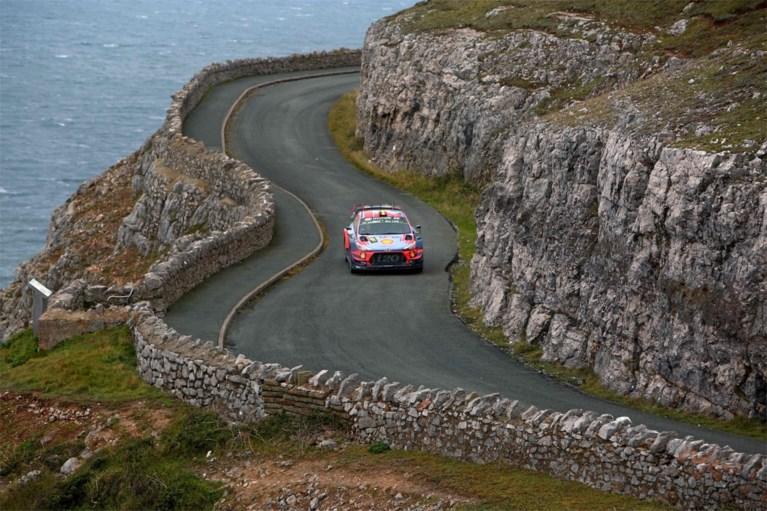 Ott Tänak houdt Thierry Neuville af in Rally van Wales en neemt optie op wereldtitel