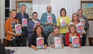 Kiwanis Diepenbeek schenkt tablets aan Auxilia