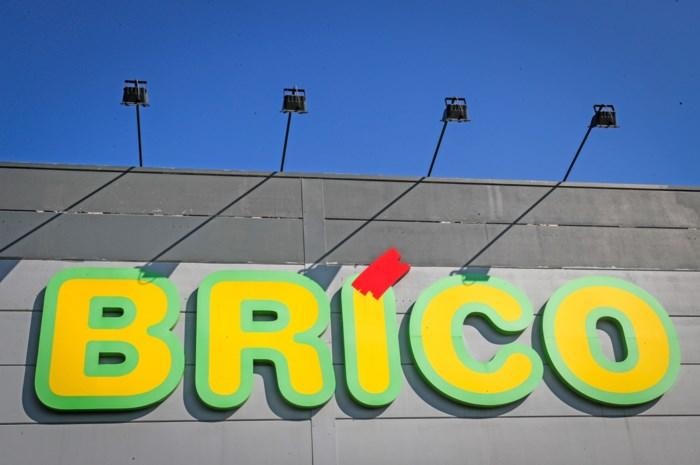 Arbeider maakt dodelijke val van ladder in Brico