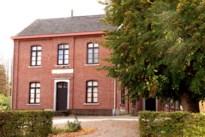 Oud-gemeentehuis Schulen te koop, maar oppositie is daar niet tevreden mee
