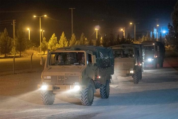 Turkije stuurt meer pantsvoertuigen naar grens met Syrië