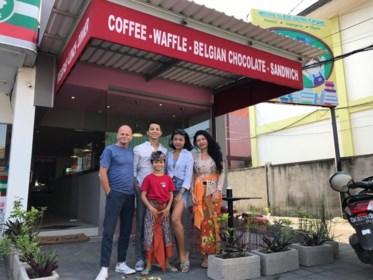 """Hoeselaar Lucas Hauben in Bali: """"Belgische ambassadeur kwam wafels al proeven"""""""