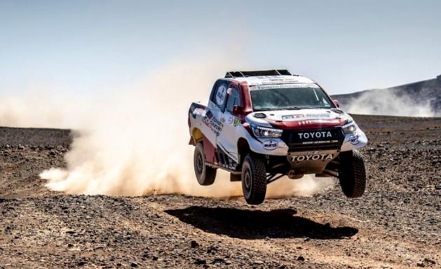 Fernando Alonso na crash 27ste in rally van Marokko